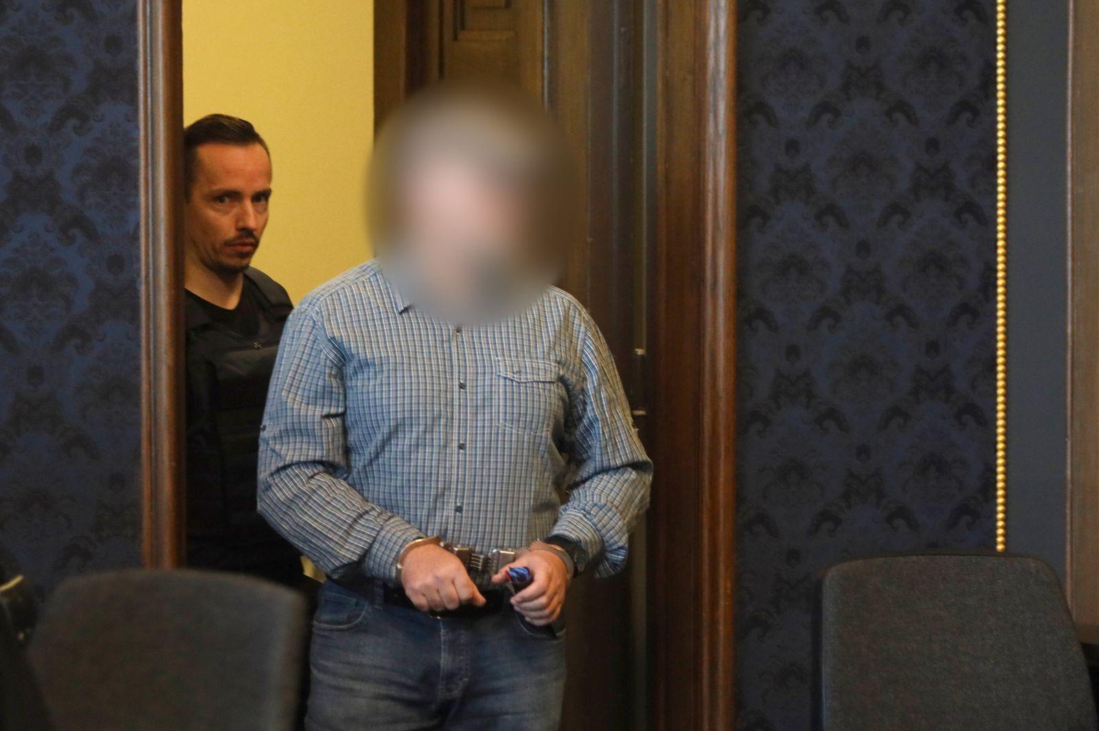 Prozess gegen einen Polizisten und mutmaßlichen Prepper
