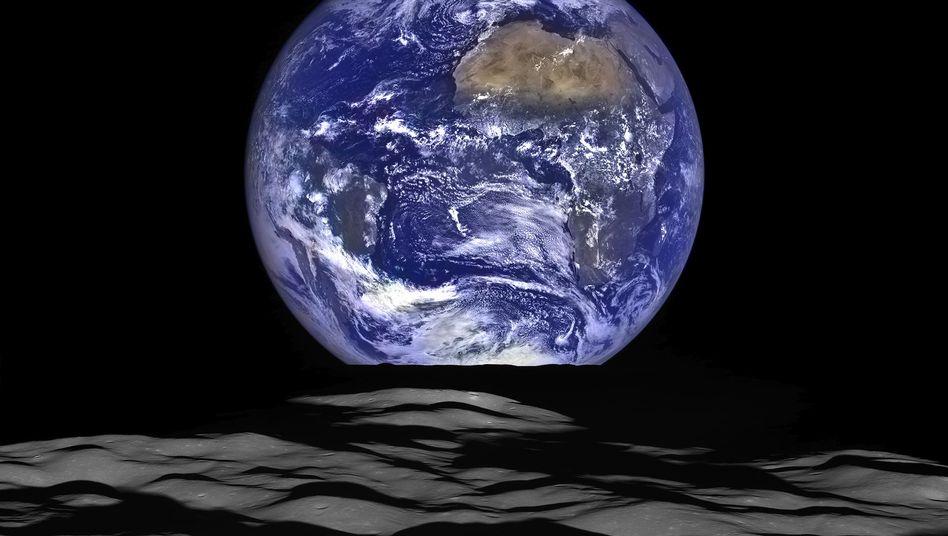 Die Erde vom Mond aus gesehen