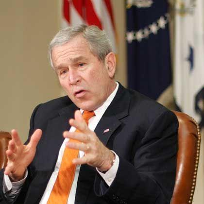 US Präsident George W. Bush: Ein bisschen drohen, ein bisschen beschwichtigen