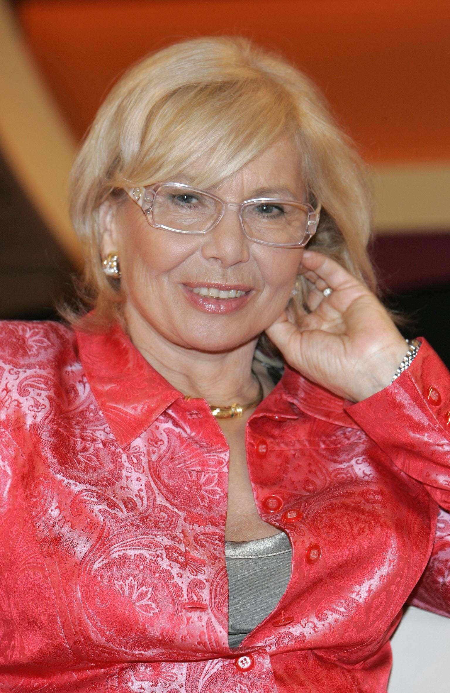 EINMALIGE VERWENDUNG Ruth Gassmann