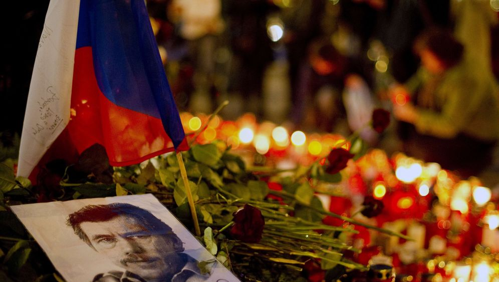 Photo Gallery: The World Mourns for Vaclav Havel