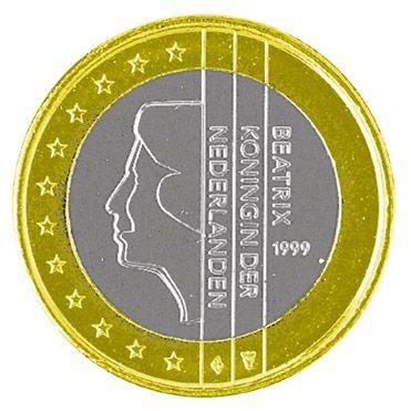 Ziert die Rückseite der niederländischen Ein-Euro-Münze: Königin Beatrix