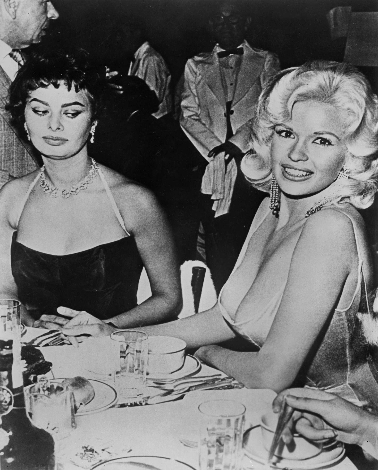 USA : Sophia Loren and Jane Mansfield.
