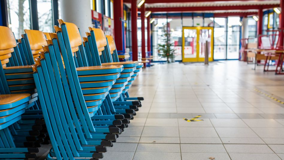Schule außer Betrieb (in Heitersheim, Baden-Württemberg)