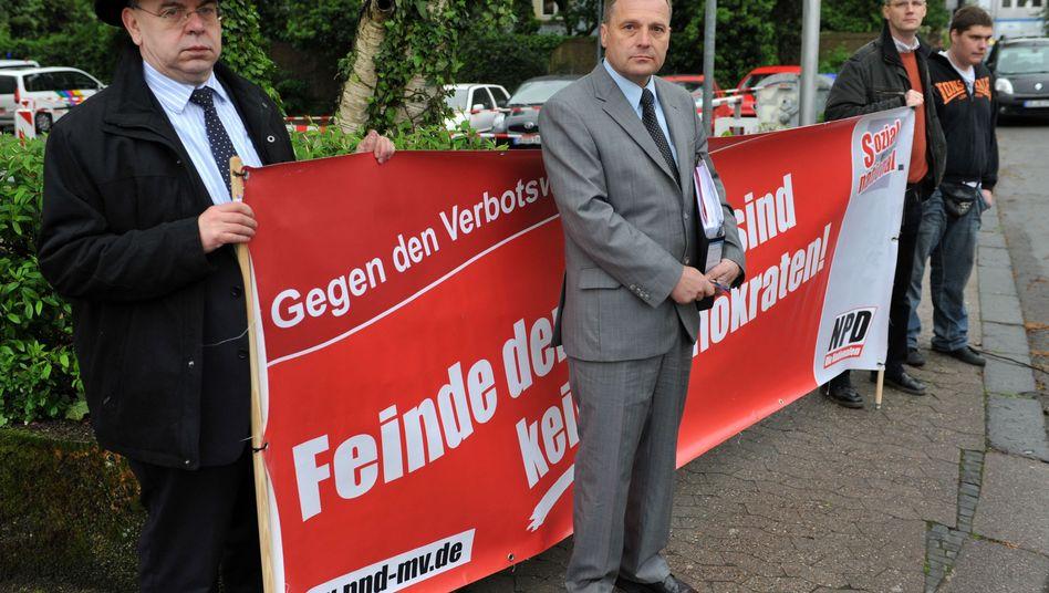 NPD-Bundesvize Udo Pastörs (M., im Mai 2010): Vabanquespiel am rechtsextremen Rand
