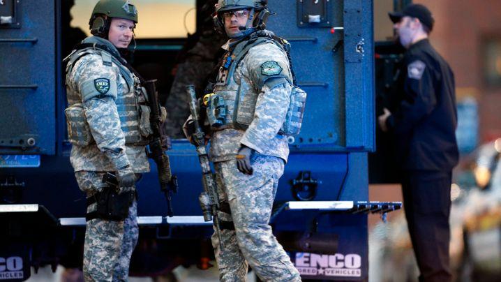 Bomben in Boston: Spurensuche mit Taschenlampen