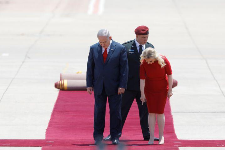Israelischer Premier Netanyahu und seine Ehefrau Sara warten auf Trump