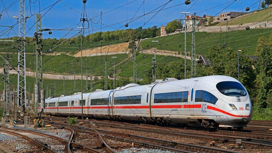 ICE-Zug bei Würzburg