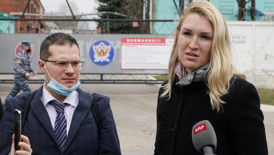 Nawalnys Ärztin Anastasia Wasiljewa und sein Arzt Jaruslaw Aschikmin