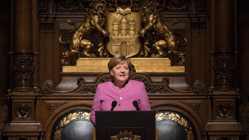 Bundeskanzlerin Angela Merkel (CDU) beim Übersee-Tag im Rathaus in Hamburg