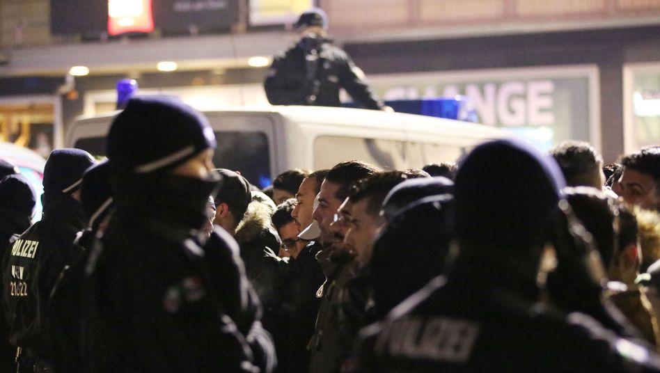 Polizeieinsatz am Kölner Hauptbahnhof