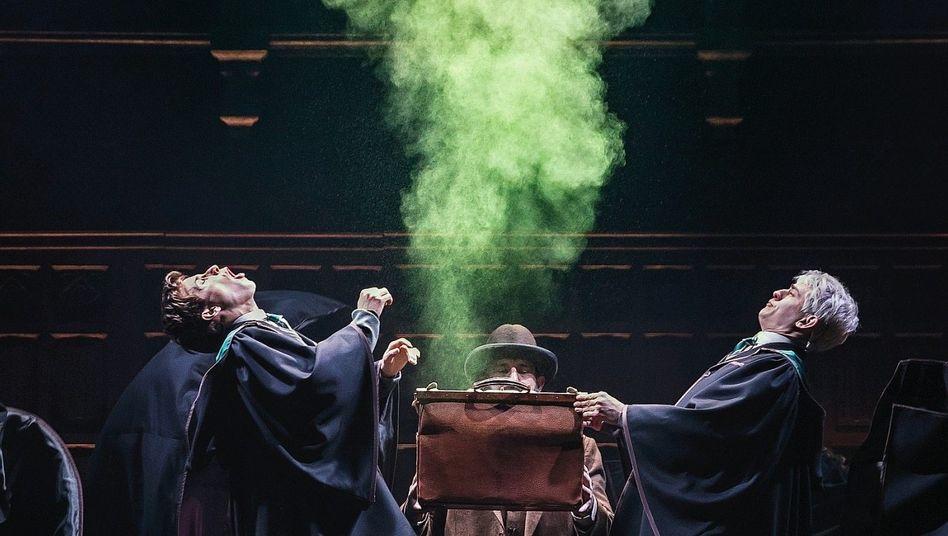 Harry Potter Theaterstuck In Hamburg Eine Kritik In Vier Akten Der Spiegel