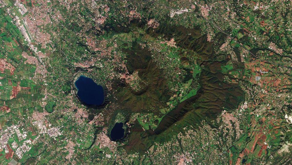 Einst schipperte Kaiser Caligula über den kleineren Vulkansee Nemi