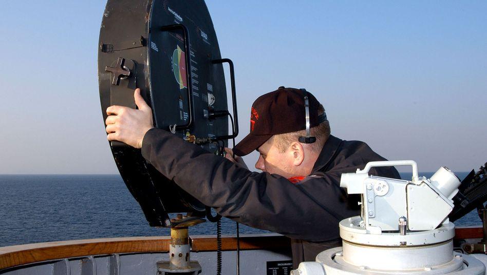 Long Range Acoustic Device (LRAD) auf einem Schiff