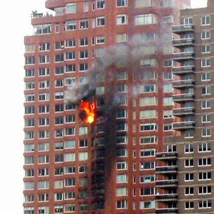 Brennendes Hochhaus in Manhattan: Ursache für Absturz gefunden