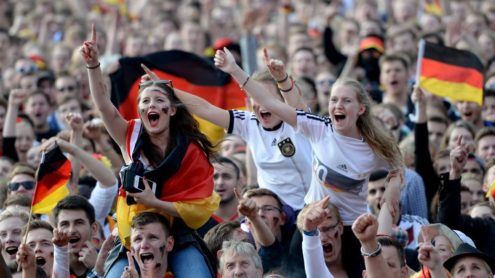 Photo Gallery: Germany Finds Itself