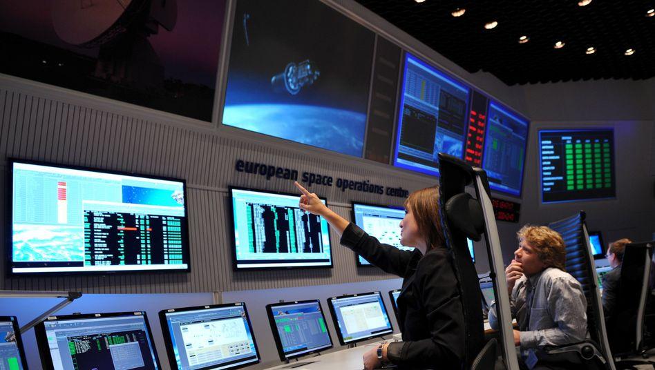 Esa-Kontrollzentrum in Darmstadt: Sonden-Signale sind unleserlich