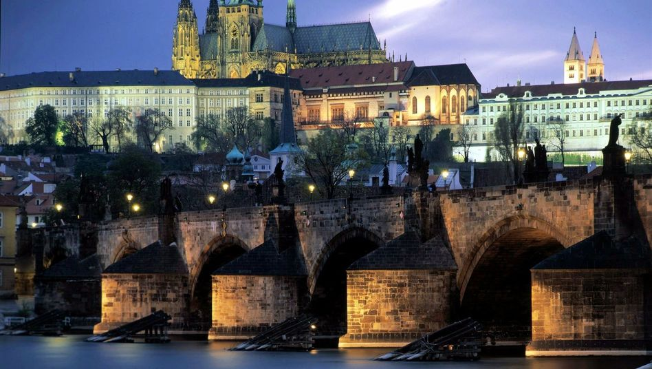 A device for measuring sexual arousal that was invented in Prague in the 1950s has now landed Czech officials in trouble.
