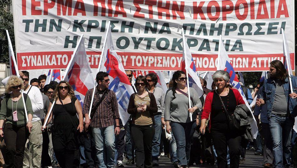 Demonstration in Athen: Harte Sparmaßnahmen stehen bevor