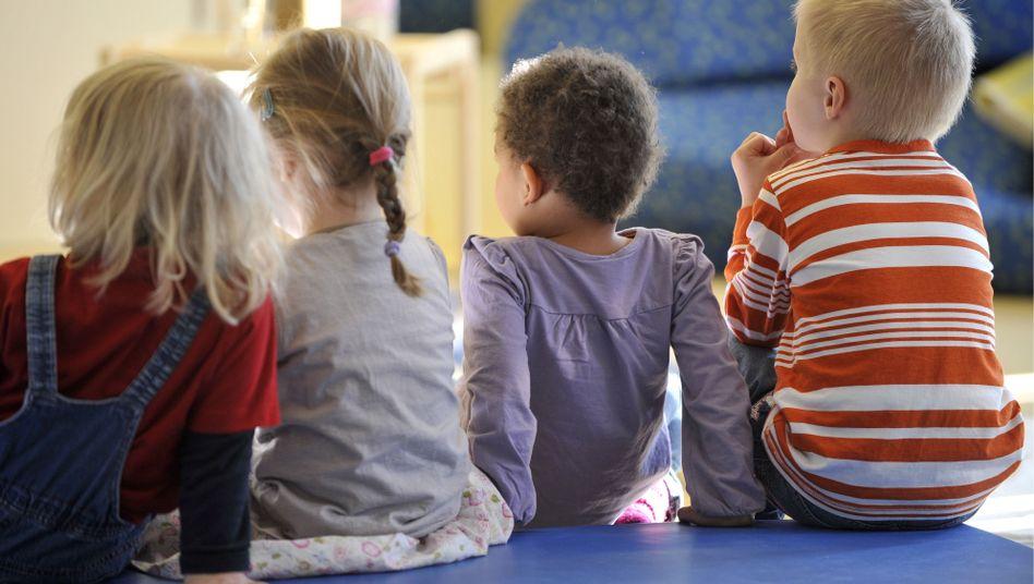 Kita-Kinder in Berlin: Wer betreut die Kleinen und wie?