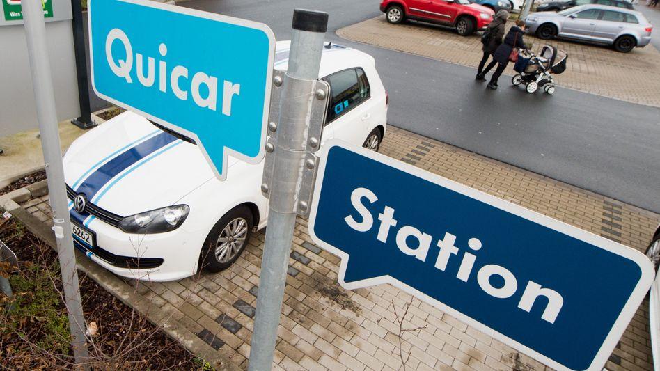 VW-Golf an einer Quicar-Station: Der Anbieter soll in Greenwheels aufgehen