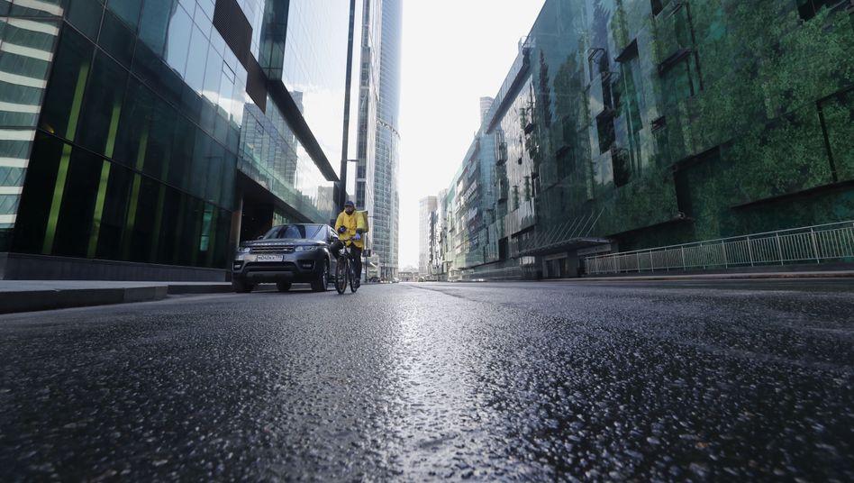 Fahrradkurier in Moskau: Umgerechnet 1,2 Milliarden Euro Verlust - jeden Tag