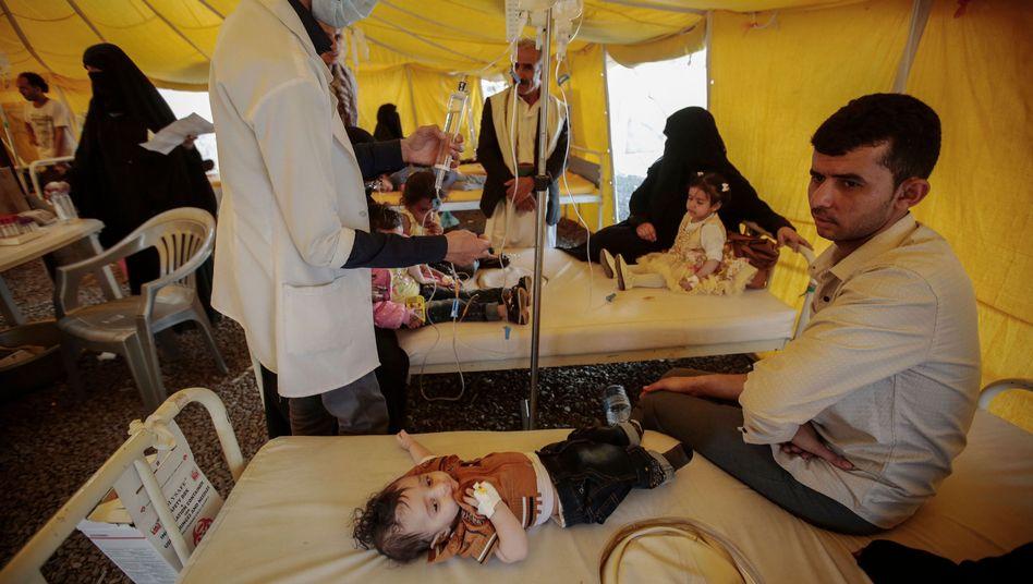 Junge mit Verdacht auf Cholera in einem Krankenhaus in Sanaa (Jemen)