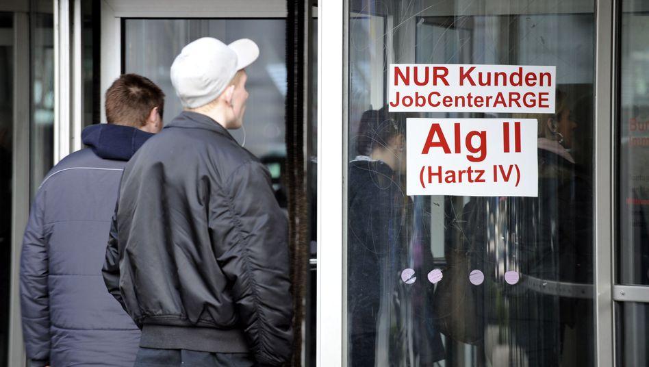 Jobcenter Dortmund: 45 Prozent der Arbeitslosen suchen länger als ein Jahr einen Job