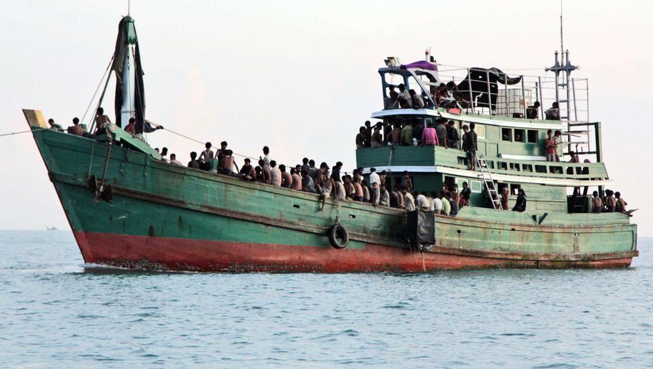 """Bootsflüchtlinge vor Aceh: """"Sie sind dehydriert, sehr geschwächt und kurz vor dem Verhungern"""""""