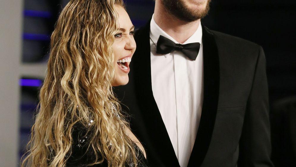 """Miley Cyrus über Liam Hemsworth: """"Menschen verlieben sich in Menschen"""""""
