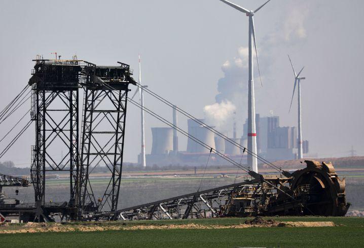 Braunkohlekraftwerk Niederaußem im Rheinischen Revier