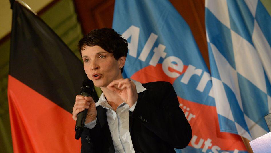 AfD-Bundesvorsitzende Frauke Petry: Anti-Islam-Kurs bestärkt
