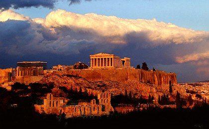 Athen: Durch den Seebund wurde Athen immer stärker. Sparta betrachtete den Aufstieg mit Argwohn