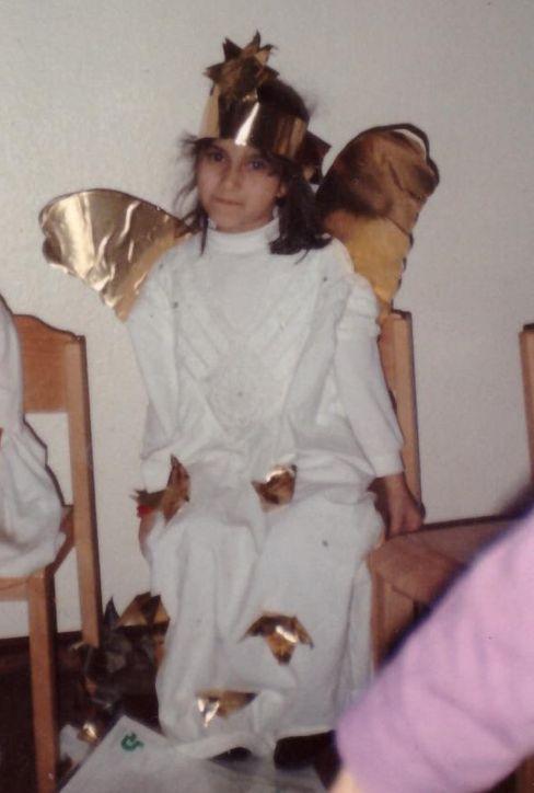 Cigdem Toprak als Engel