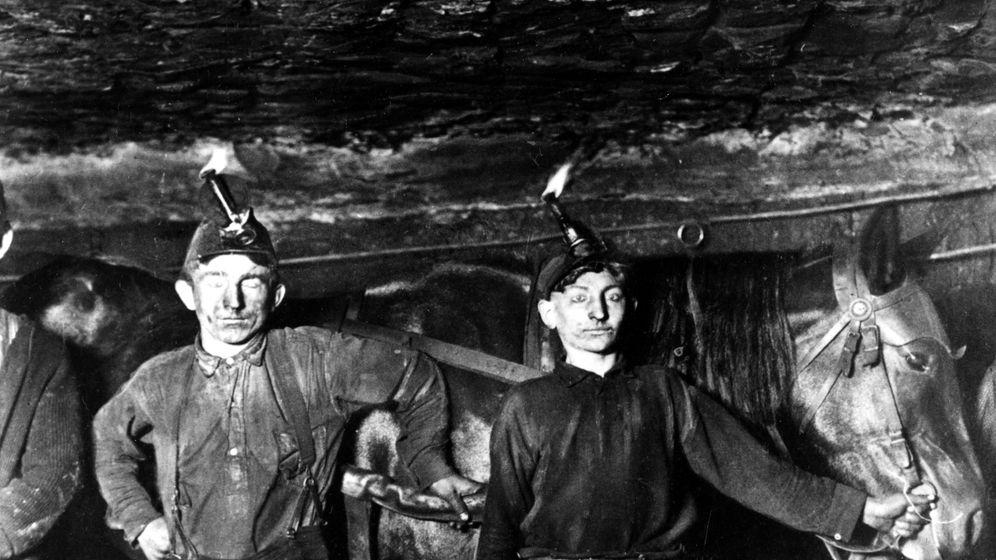 Kohlearbeiter-Aufstand: Tarifverhandlung mit Maschinengewehr