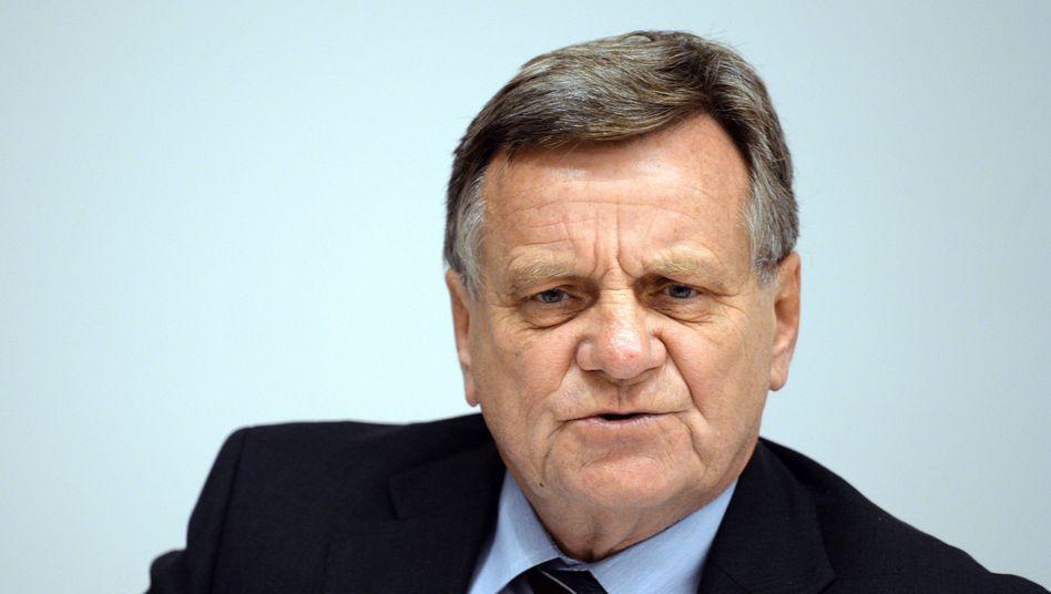 Flughafenchef Mehdorn: Große Ankündigungen, nicht viel Positives