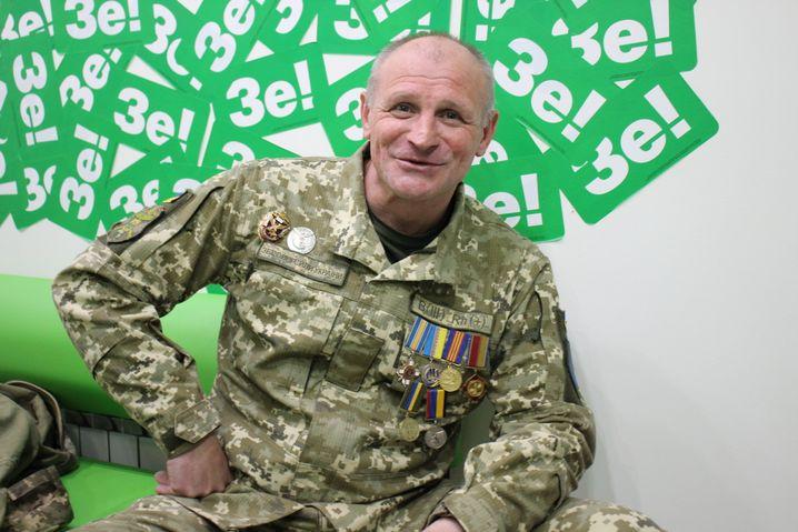 Veteran Andrej in Kremenchuk im Wahlbüro von Selensky