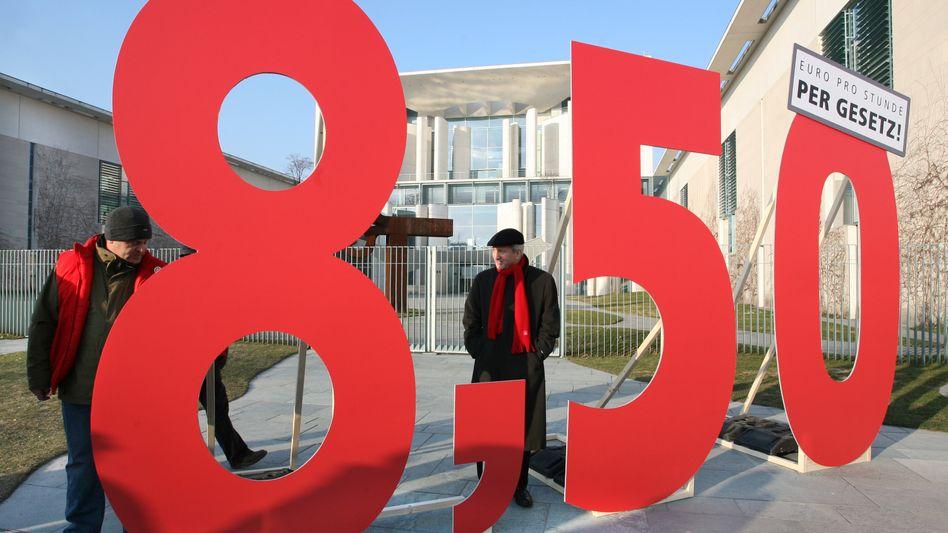 """""""8,50""""-Aufsteller vor dem Kanzleramt: Große Auswirkungen auf den Arbeitsmarkt"""