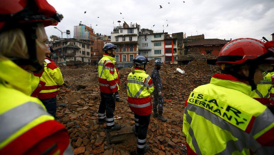 Deutsches Rettungsteam in Kathmandu: Erdbeben in Nepal löste große Hilfsbereitschaft aus