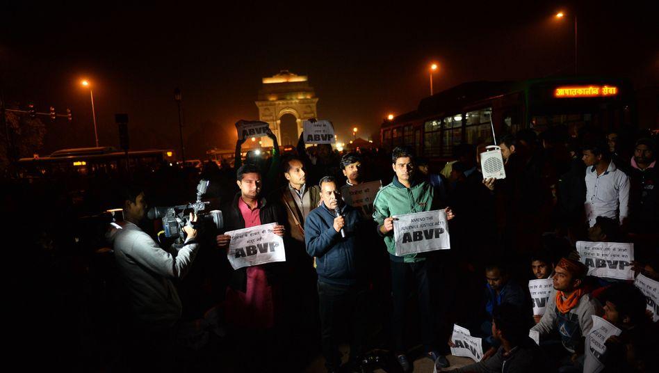 Proteste gegen Freilassung von Vergewaltiger: Gesetz verschärft