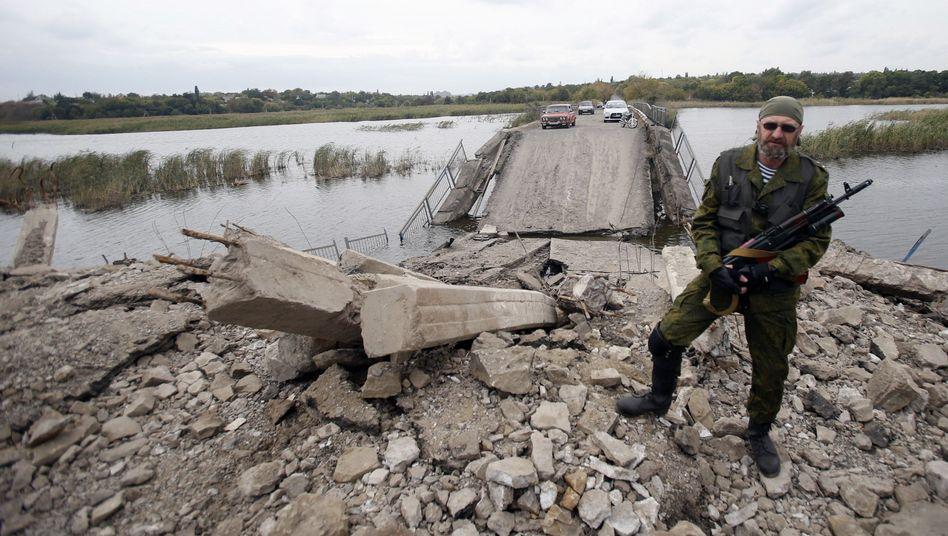 Kämpfer für eine russische Ostukraine: Zieht sich Moskau zurück?