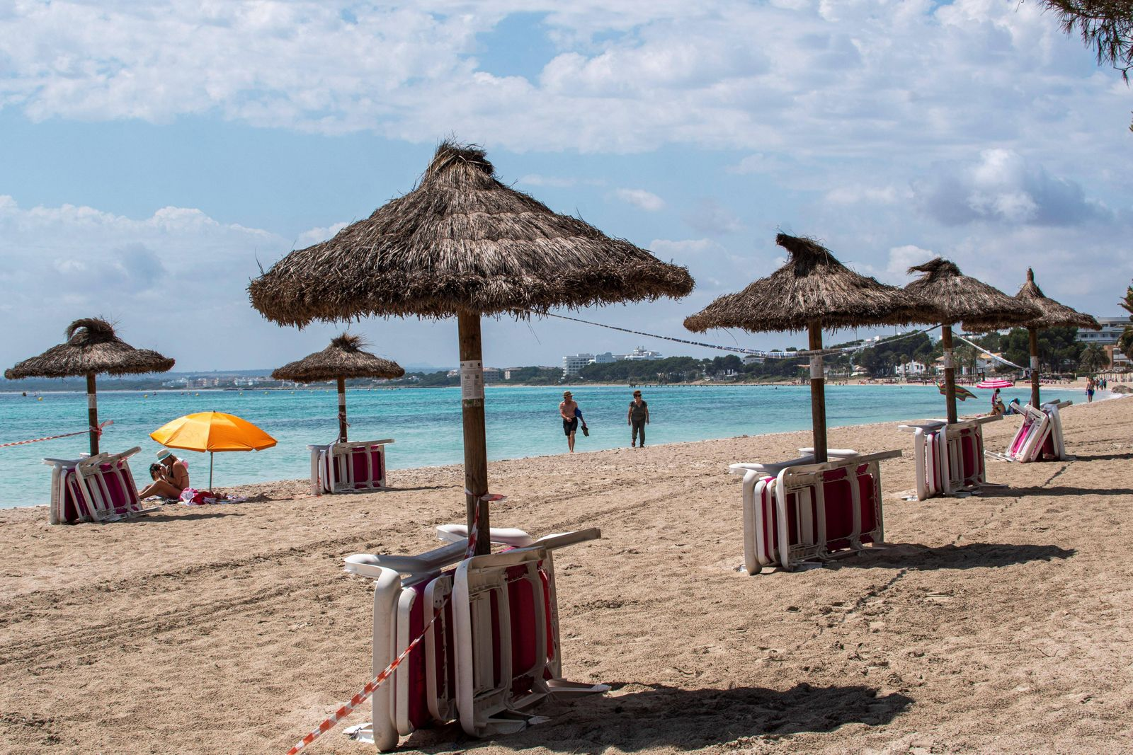 Alcudia beach in Mallorca, Spain, 07 June 2020, a day before Mallorca changes to phase 3 of the government s plan to gra