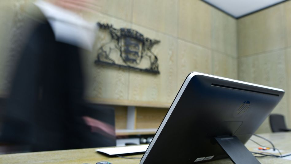 Richterbank am Landgericht Mannheim