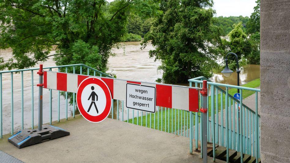 Warnung vor Hochwasser (Symbolbild)