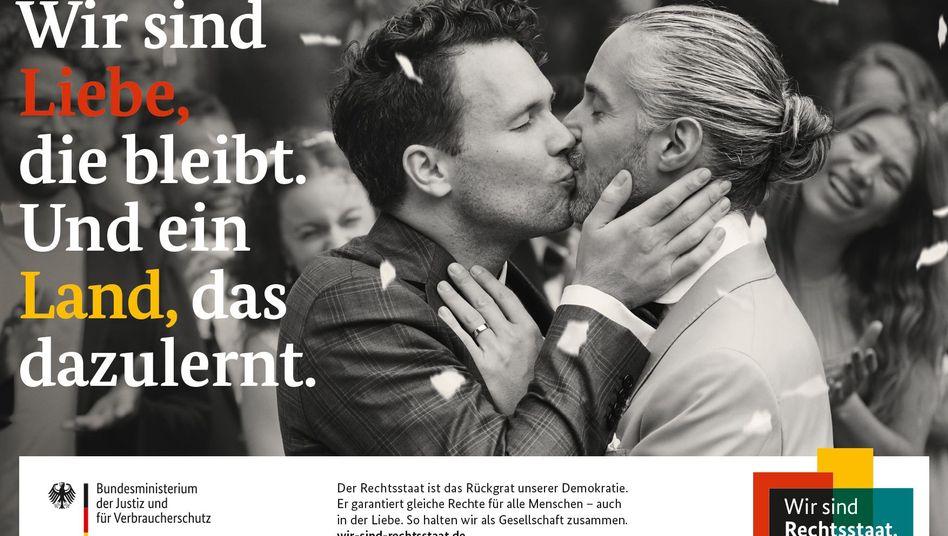 """Rechtsstaat-Kampagne der Regierung: """"Liebe, die bleibt"""""""
