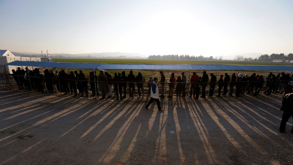 Photo Gallery: Greece's Migrant Crisis