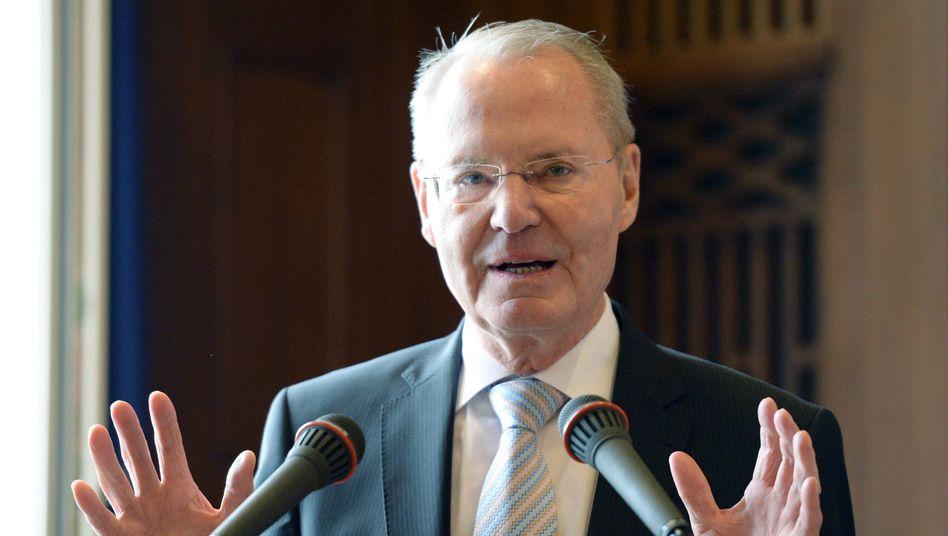 Europa-Abgeordneter Henkel: Keine Nähe zu Pegida suchen