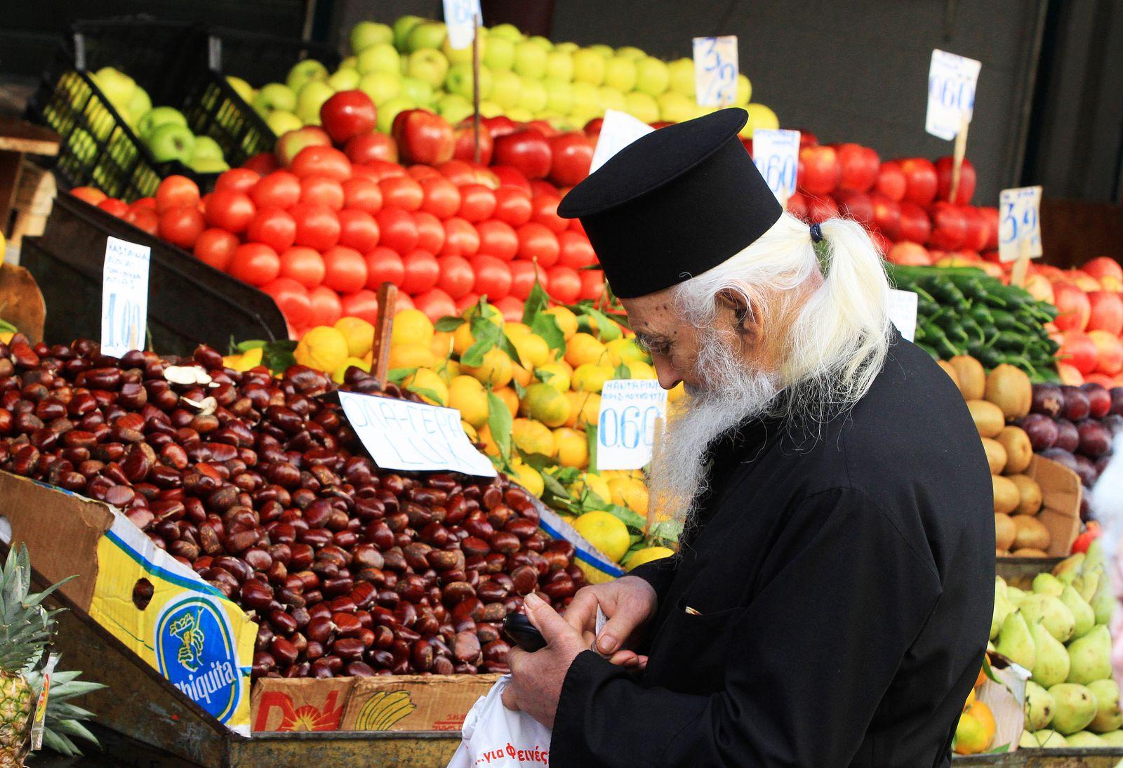 Griechen / einkaufen / Griechenland