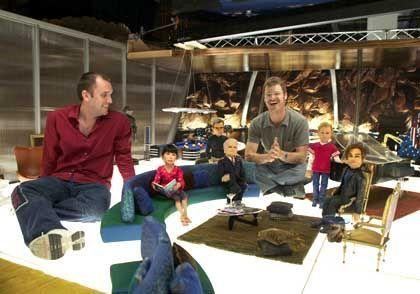 """Trey Parker (l.) und Matt Stone am Set von """"Team America"""": Versteckt reaktionär?"""