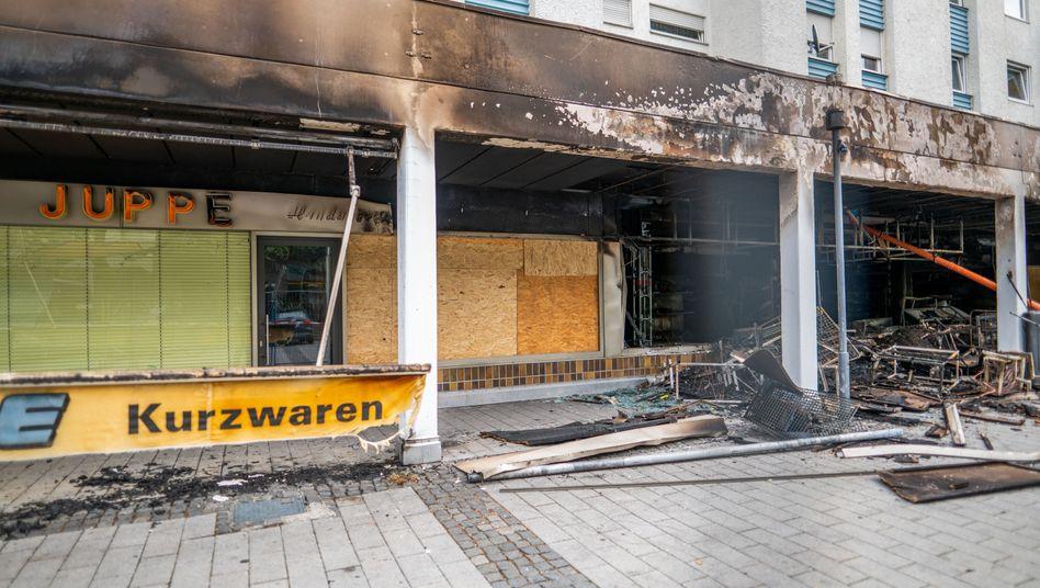 Zerstörtes türkisches Geschäft im bayerischen Waldkraiburg